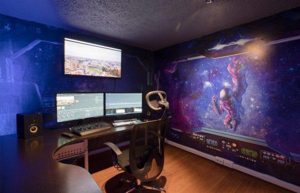Alquiler sala de edición 4K Spaceship en Bogotá D.C, Colombia