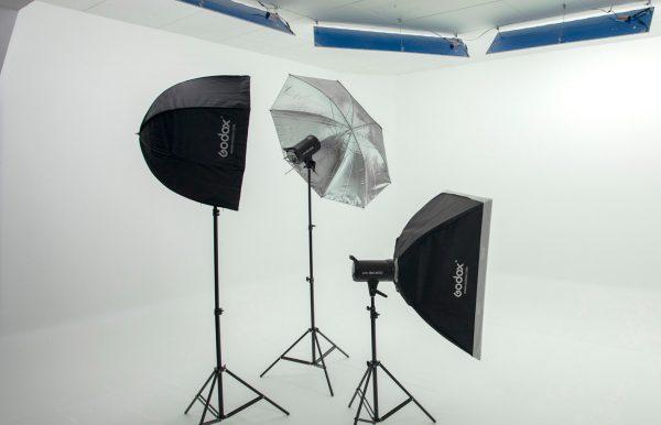 Combo 60 – Estudio pequeño + Kit Flash Godox SK400 con 3 cabezas