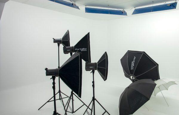 Combo 63 – Estudio pequeño + Flash Elinchrom D-Lite RX 400 x 2 luces + BRX 500 x 2 luces