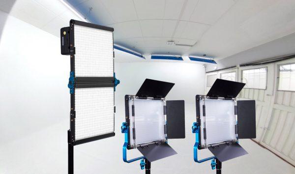 Combo 64 – Estudio + 3 luces LED Dracast alquiler + luces LED de backing